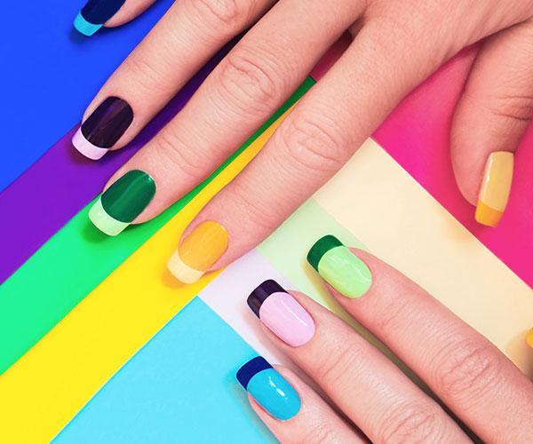 Mit Gel-Nagellack lassen sich auch auch Nägel mit kleinen Schönheitsfehlern oder optischen Mängeln wie wellige Nageloberflächen problemlos optimieren.
